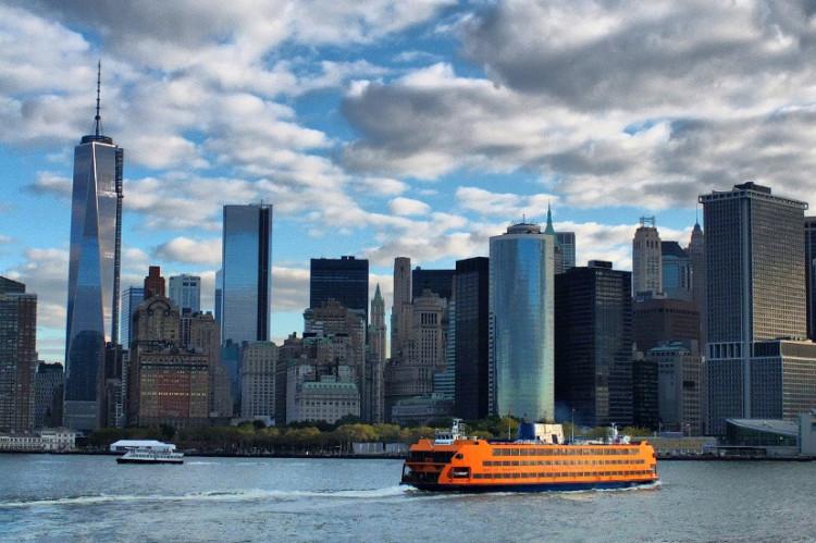 Nowy Jork z łódką