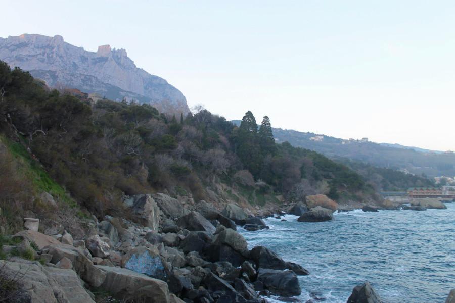 Kamienista wybrzeże na ukraińskim Krymie