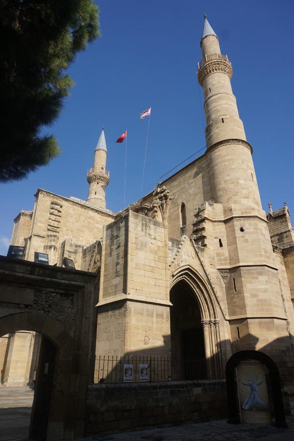 Największy meczet Nikozji