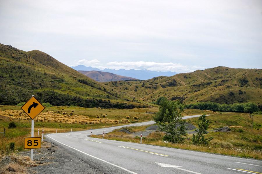 Znaki na nowozelandzkich drogach