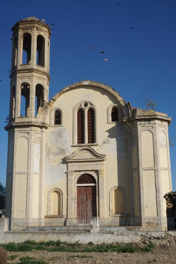 Republika Północnego Cypru - opuszczona cerkiew
