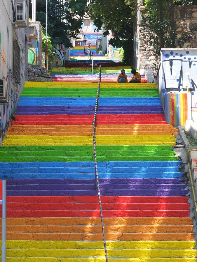 Tęczowe schody w Stambule