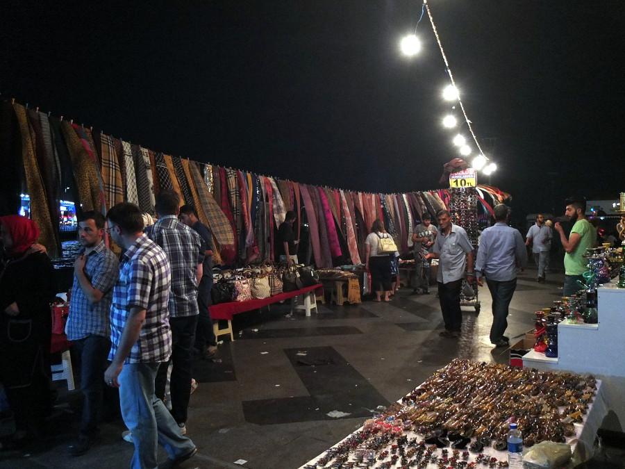 Nocny handel w Stambule