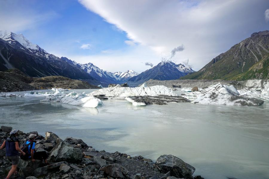 Oderwane kawałki lodowca